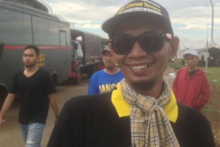 Dirigen Aremania, Yuli Sumpil, saat ditemui jelang final Piala Presiden 2017 di Stadion Pakansari, Cibinong, Kab Bogor, Minggu (12/3/2017).