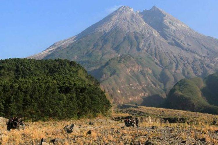 Panorama indah yang ditawarkan dalam lava tour Gunung Merapi, Yogyakarta.