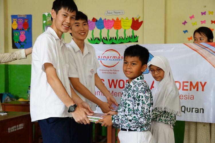 Sekolah Sinarmas World Academy (SWA) mengadakan kegiatan Roadshow Bakti Sosial selama 3 hari, 12-14 Desember 2018 mengangkat tema ?Maju Bersama Mencerdaskan Indonesia?.