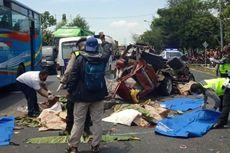 6 Nama Korban Tewas Kecelakaan Kijang Vs Truk di Pantura Tuban