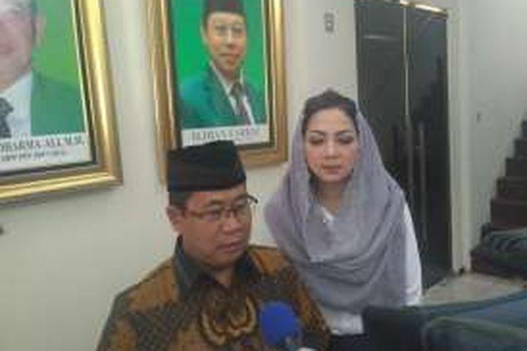Wakil Sekjen PPP (kubu Djan Faridz) Sudarto dan Ketua PPP Triana Dewi Seroja di Kantor DPP PPP, Jalan Diponegoro, Jakarta Pusat, Selasa (15/11/2016)