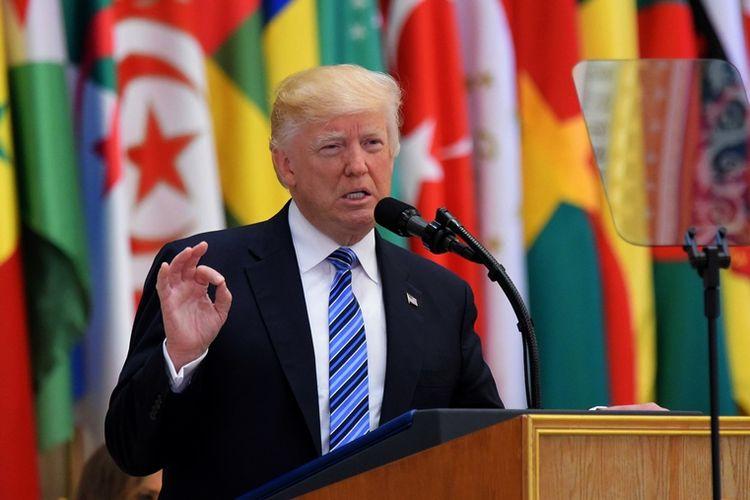 Presiden AS Donald Trump saat berpidato di Riyadh, Arab Saudi (21/5/2017).