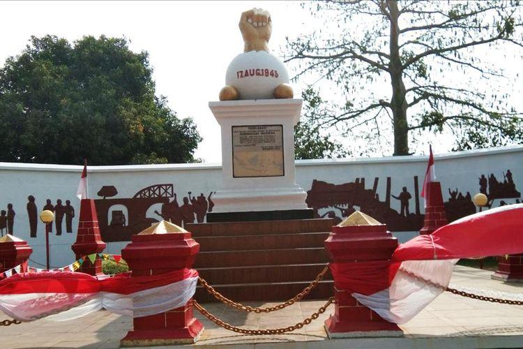 Monumen Kebulatan Tekad di Rengasdengklok, Karawang.