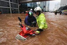 Perlu Dilakukan saat Motor Mogok Terabas Banjir