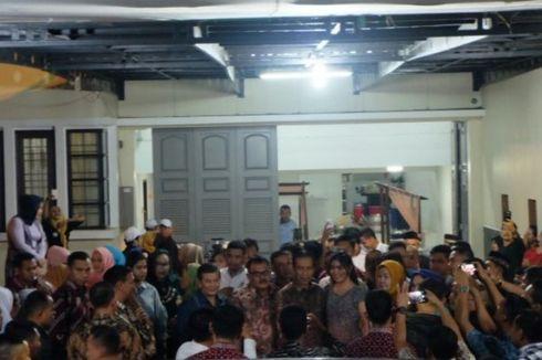 Listrik Sempat Padam Saat Jokowi Kunjungi Rumah Calon Besan, Paspampres Panik