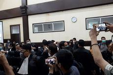 Sidang Kasus Swab Test Rizieq Shihab di PN Jaktim Ricuh, Tim Kuasa Hukum Walk Out