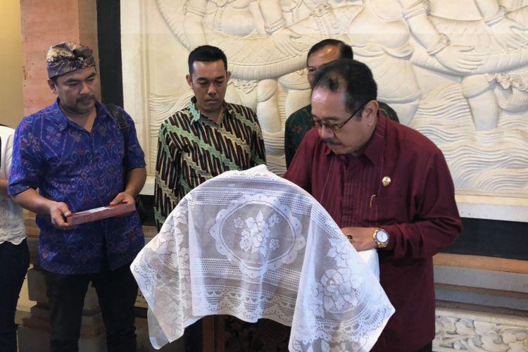 Wakil Gubernur Bali Tjokorda Oka Artha Ardhana Sukawati saat membuka acara pembinaan bagi UKM, SRC Fest di Bali.