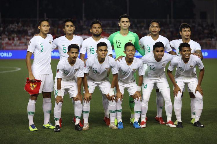 Skuad tim nasional U-23 Indonesia jelang pertandingan melawan Vietnam pada laga Grup B SEA Games 2019 di Stadion Rizal Memoriam, Manila, Filipina, Minggu (1/12/2019).