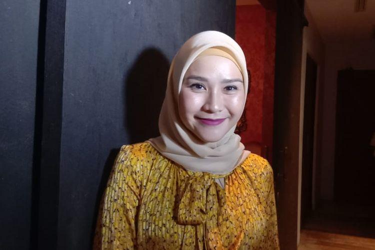 Zaskia Adya Mecca di Plataran Jakarta Patio, Kebayoran Baru, Jakarta Selatan, Kamis (14/3/2019).