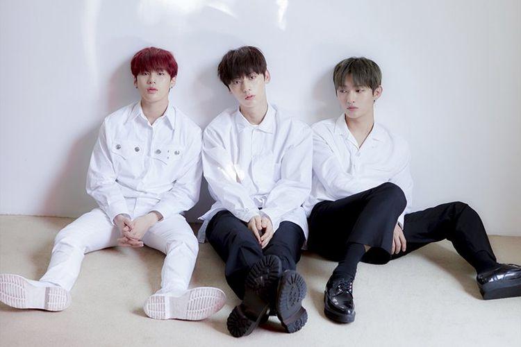 Lean On Me, unit Wanna One yang beranggota Ha Sungwoon, Hwang Minhyun, dan Yoon Jisung.