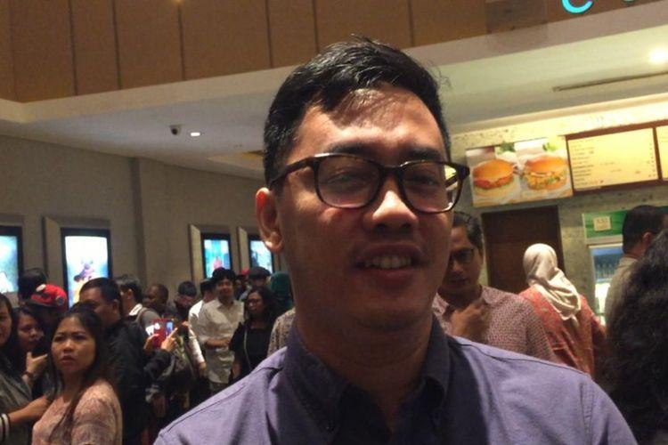 Artis peran Dennis Adishwara saat ditemui usai acara Festival Film Tempo 2018 di XXI Epicentrum, Kuningan, Jakarta Selatan, Kamis (6/12/2018).