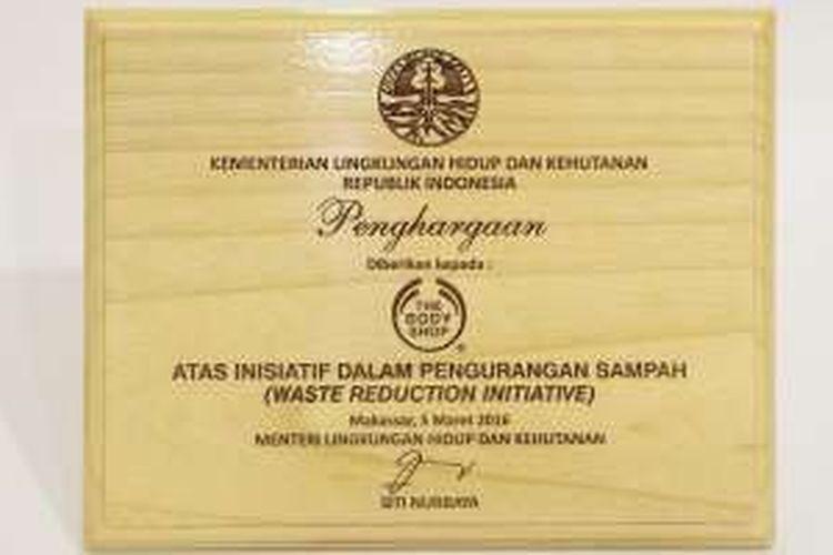 Penghargaan Menteri Lingkungan Hidup kepada The Body Shop Indonesia