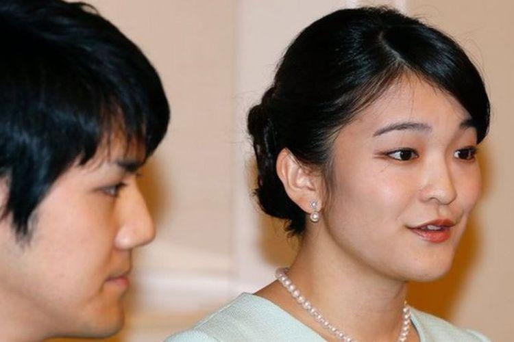 Putri Mako sedianya akan menikah dengan Kei Komuro, orang biasa yang tidak memegang gelar kebangsawanan, pada 2018, setahun setelah mereka tunangan.