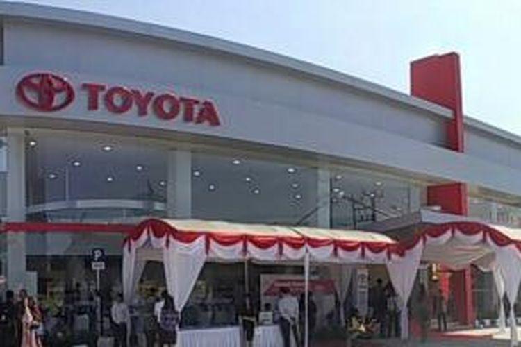 Toyota meresmikan jaringan pemasaran dan layanan purna jual ke 281di Indonesia.