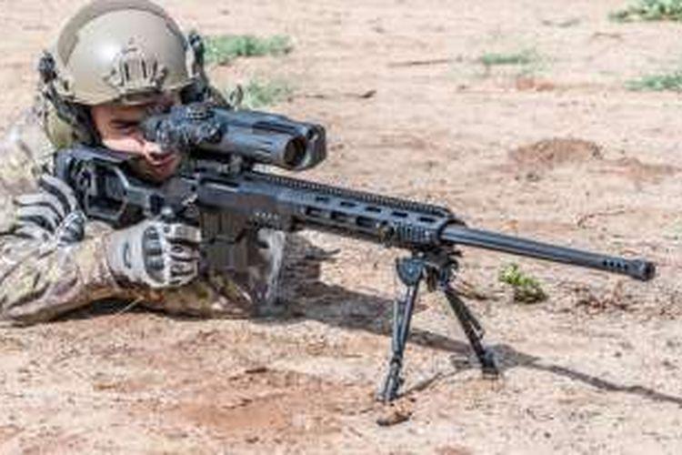 Seperti inilah senapan Dan .338 yang digunakan penembak jitu pasukan elit Inggris SAS untuk menembak para algojo ISIS di Suriah.