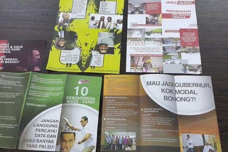 Lima jenis brosur berisi black campaign yang disita Panwaslu Jakarta Barat pada Sabtu (11/2/2017) kemarin. Brosur-brosur tersebut kini disimpan di Kantor Panwaslu Jakarta Barat.