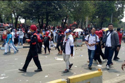 Unjuk Rasa Selesai, Massa Buruh Mulai Meninggalkan Kawasan DPR