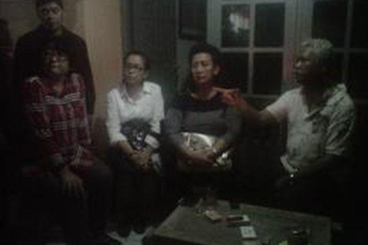 Keluarga Keraton Ngayogyakarta yang datang ke lokasi yakni Permasuri Sultan HBX GKR Hemas, Gusti Prabukusumo dan wakil Bupati Sleman Yuni Setia Rahayu saat menemui Julius