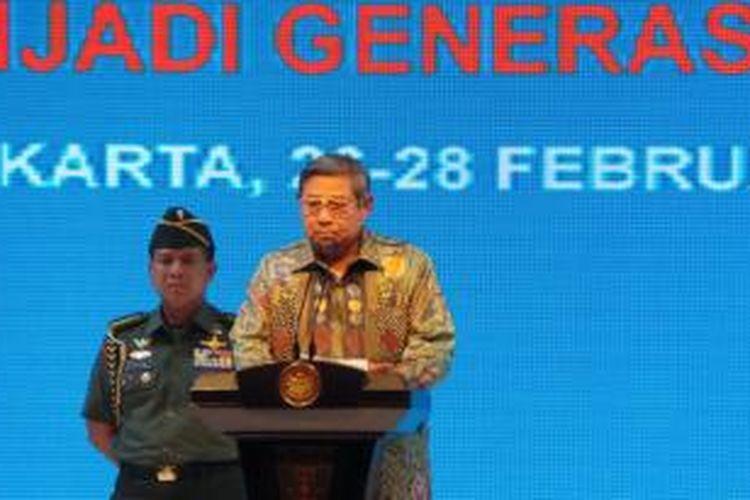 Presiden Susilo Bambang Yudhoyono  dalam acara silaturahmi dengan penerima beasiswa Bidik Misi di Hotel Bidakara, Rabu (27/2/2014).