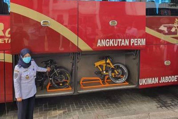 Bagasi untuk sepeda lipat di bus JR Connexion