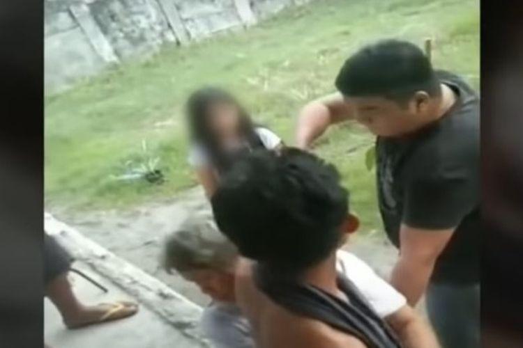 Seorang polisi Filipina, Sersan Utama Jonel Nuezca, secara brutal menembak mati seorang ibu dan anak yang tidak bersenjata.