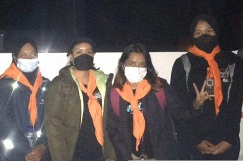Cerita Perempuan Anggota SAR Unpad, Mencari Pendaki yang Hilang di Gunung Guntur