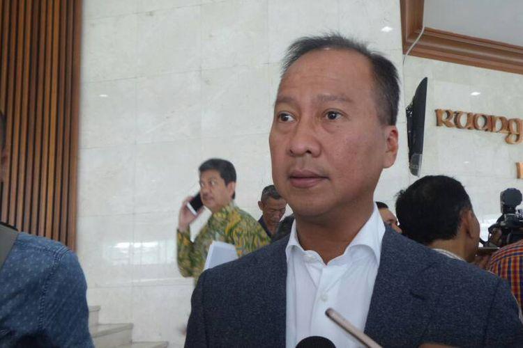 Sekretaris Fraksi Partai Golkar di DPR RI, Agus Gumiwang Kartasasmita di Kompleks Parlemen, Senayan, Jakarta, Kamis (27/4/2017).