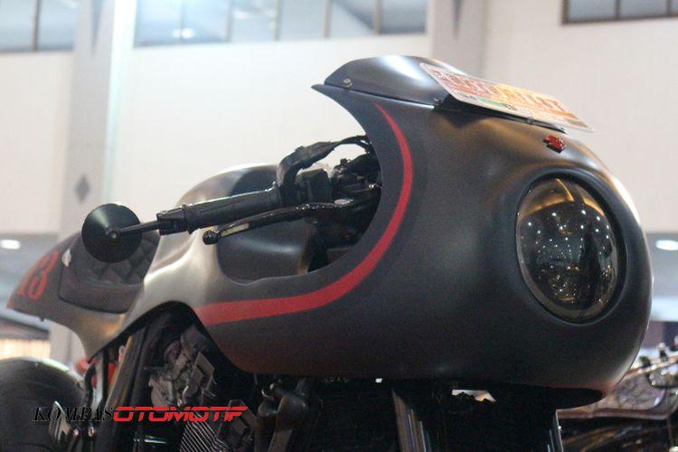 Suzuki GSX-R 400 Unibody Cafe Racer