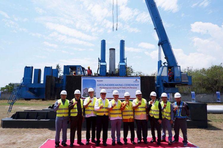 PT Indonesia Asahan Aluminium (Persero) atau Inalum akan membangun sebuah gedung perkantoran yang modern dan representatif di kawasan lapangan bola A-Camp Kuala Tanjung, Kabupaten Batu Bara, Sumatera Utara.