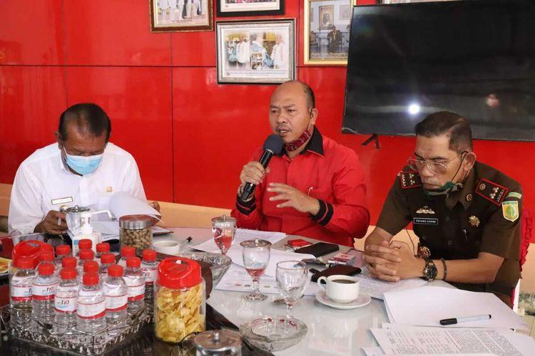 Bupati Tapanuli Utara Nikson Nababan meminta agar PPDB dengan jalur zonasi agar direvisi dan ditinjau ulang kembali, karena bakal banyak anak yang akan putus sekolah akibat kebijakan tersebut, Sabtu (04/07/2020).