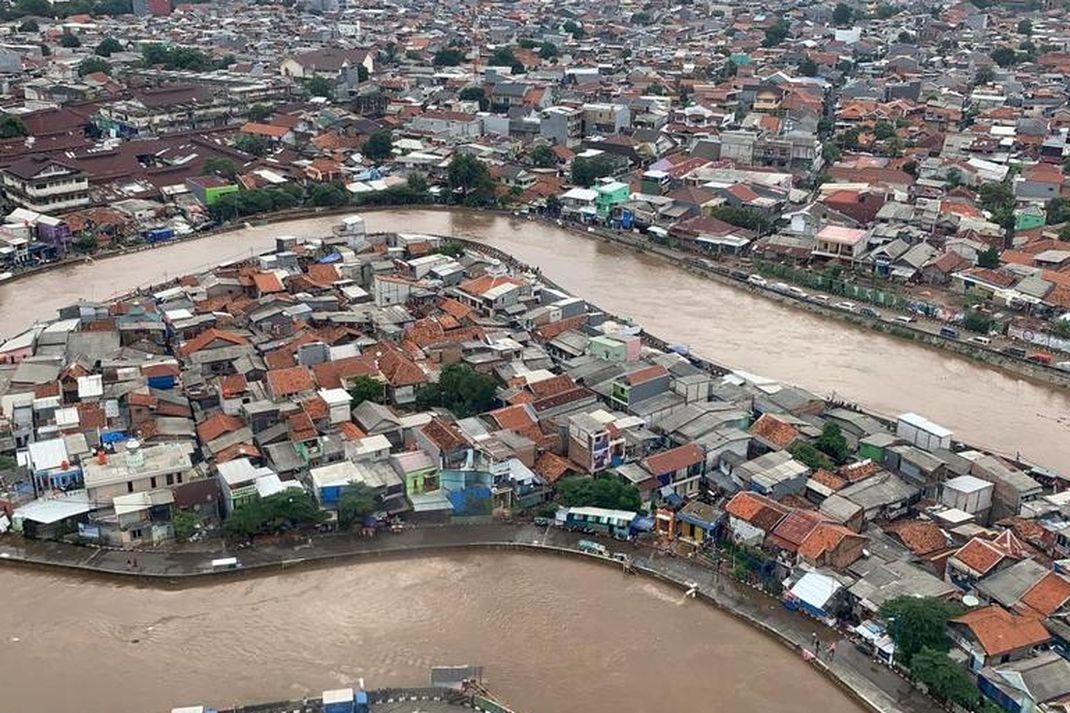 Pantauan banjir di Kampung Melayu, Jakarta TImur (Foto: Dokumentasi BNPB)