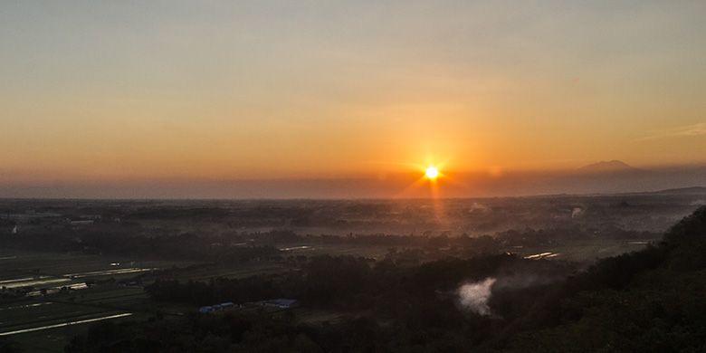 Pesona Sunrise di Spot Riyadi