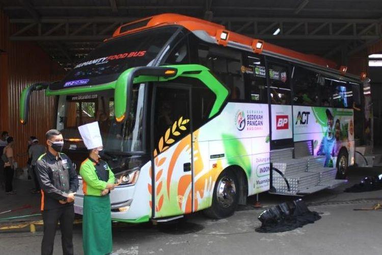 Humanity Food Bus siap sajikan makanan hingga 5.000 porsi untuk masyarakat terdampak PPKM Darurat.