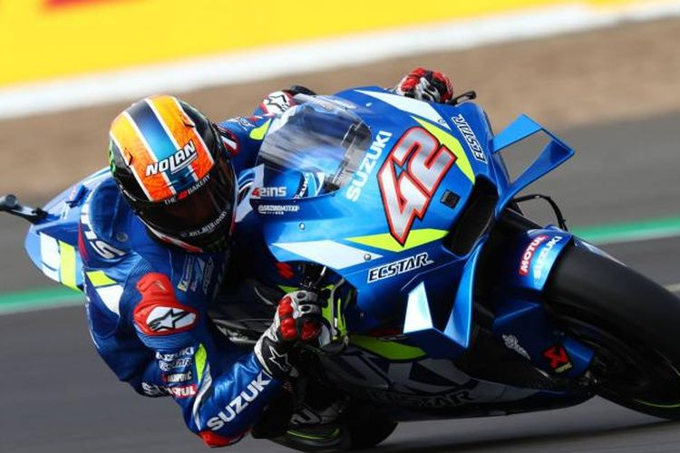 Pebalap Suzuki Alex Rins mengalahkan Marc Marquez di MotoGP Inggris.