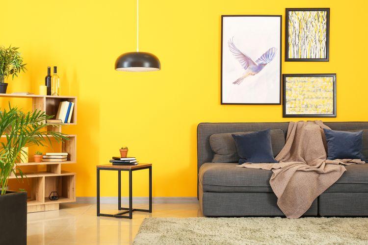 Ilustrasi warna cat dinding kuning.