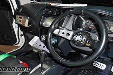 Ubah Interior Mobil Bergaya Rally Look