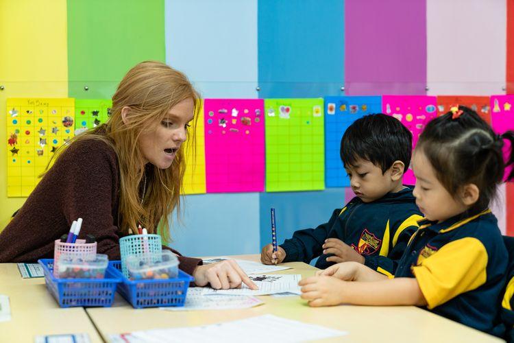 Sekolah Pendidikan Anak Usia Dini bukan hanya mampu mendidik karakter anak, tapi juga kemampuannya dalam baca, tulis, dan hitung.