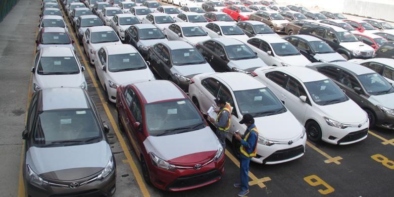 (ilustrasi) mobil-mobil yang diparkir di stock yard.