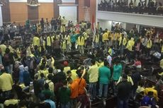 Duduk Perkara Mahasiswa Sumbar Jadi Tersangka Setelah Turunkan Foto Jokowi Saat Demo