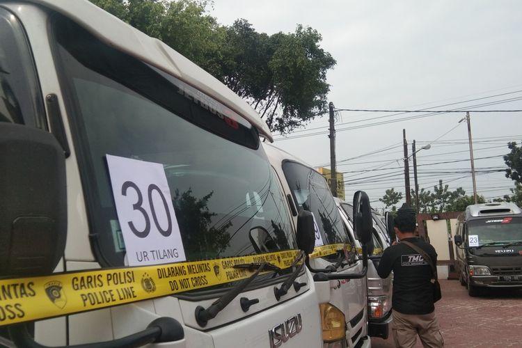 Satuan Lalu Lintas Polisi Resor (Polres) Karawang mengamankan 32 travel gelap yang beroperasi membawa penumpang hendak mudik.