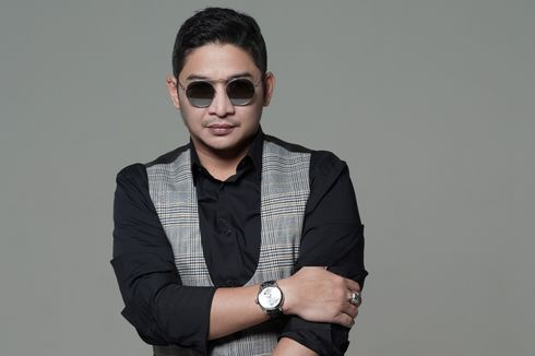 Lepas dari Ungu, Pasha Rilis Album Solo Perdana Di Atas Langit