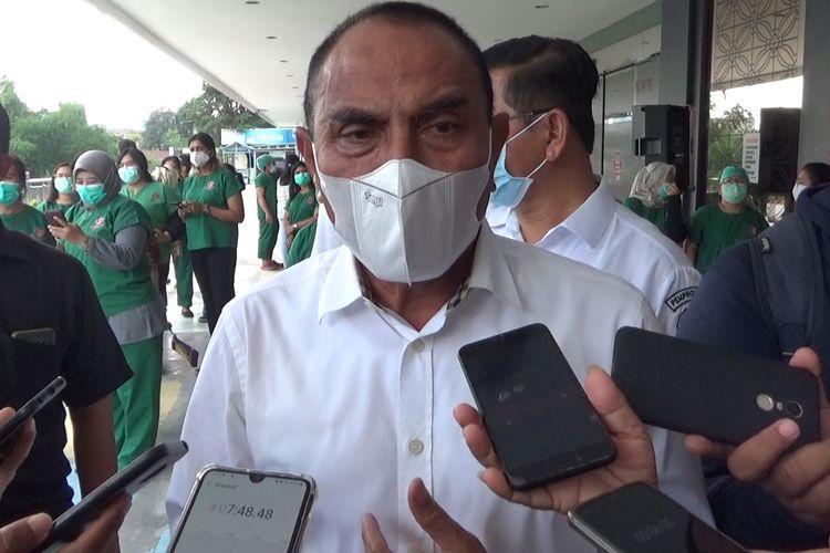 Gubernur Sumatera Utara, Edy Rahmayadi memuji kebijakan Wali Kota Medan, Bobby Nasution yang mengisolasi dua lingkungan di Medan karena warganya terpapar Covid-19.