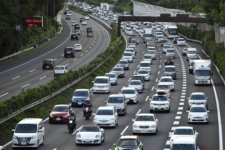 Ilustrasi kemacetan di jalanan kota Tokyo, Jepang.