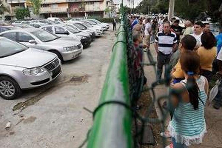 Warga Kuba hanya bisa berharap harga mobil menjadi normal.