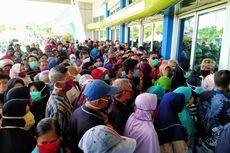 Kerumunan di Lumbung Pangan Jatim, Polisi: Warga Mengira Pembagian Sembako Gratis