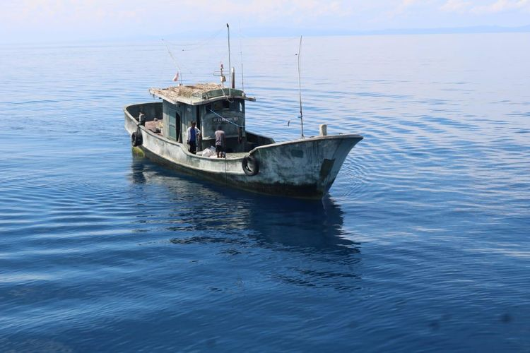 Kapal asal Sulawesi Utara beroperasi di luar wilayahnya, yakni Laut Halmahera Tengah