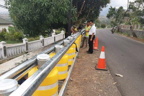 Jalan Rawan Kecelakaan di Jabar Dipasangi Teknologi Tabung Putar Penahan Tabrakan