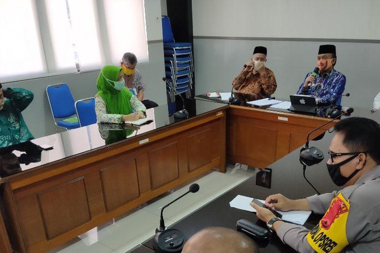 Wakil Wali Kota Tegal M. Jumadi menggelar rapat dengan Forkopimda, MUI dan organisasi kegamaan membahas pelaksanaan shalat Idul Fitri, di Balai Kota Tegal, Selasa (19/5/2020)