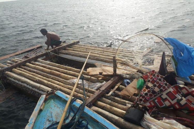 Penjaga rakit asal Manado hanyut dan ditemukan di Perairan Kabupaten Kepulauan Sitaro, Sulut.