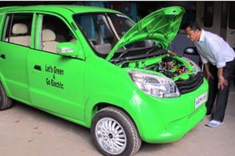 Prototipe mobil listrik besutan Dahlan Iskan, diberi nama Evina.